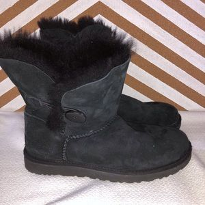 Short Button UGGs